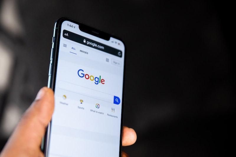 Batas waktu pengindeksan mobile-first baru Google September 2020
